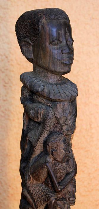 makonde_sculpture_ujamaa_50cm_250euro_3.jpg